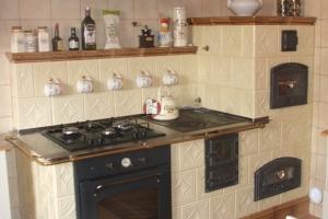 Widok ogólny kuchni kaflowej