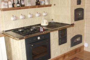 Bryła powstała z kafli kuchenno-piecowych GRUPY 2